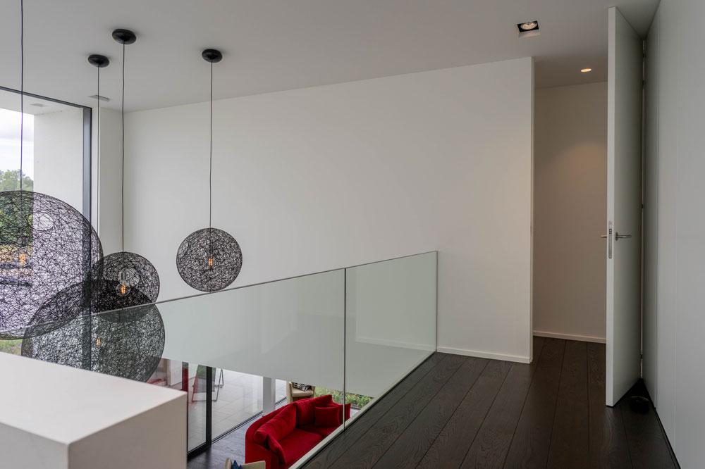 Nieuwbouw moderne woning vloeren peeters
